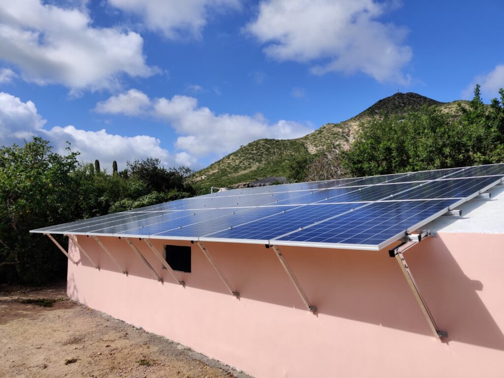 Off-grid system by Cabo Green Power